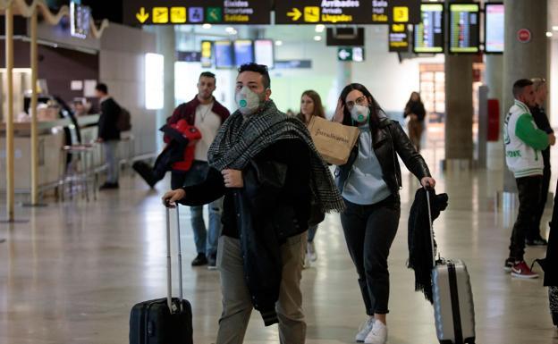 Ecuador dispone cuarentena a pasajeros que lleguen de Brasil