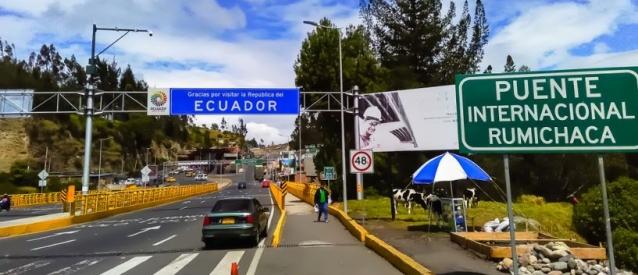Ecuador no ha decidido abrir sus fronteras con Colombia