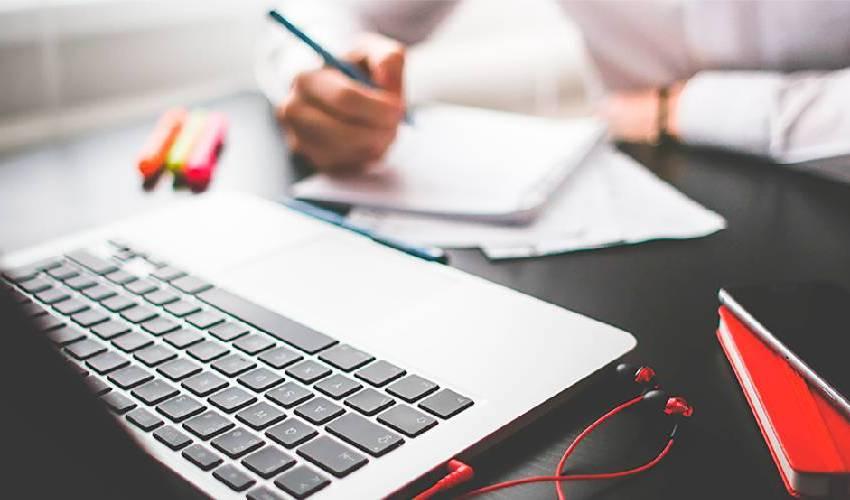 Trabalhe de freelancer online e ganhe dinheiro extra