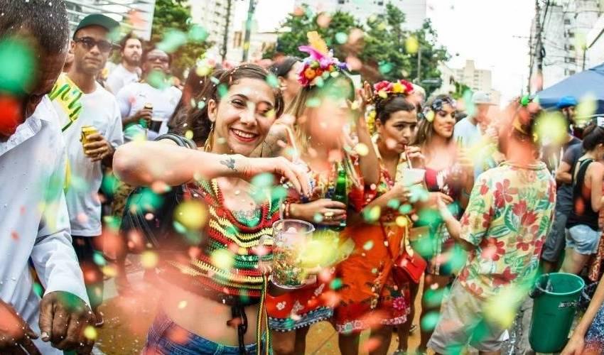 7 tipos de amigos que sempre vão no carnaval