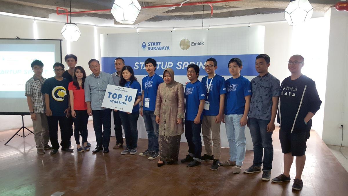 Top 10 Finalis berfoto bersama Bu Tri Rismaharini