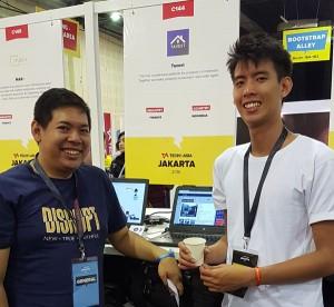 Tavest at Tech In Asia 2016, kiri: David Boy Tonara (MIS UC, CEO & Founder), kanan: Albert (co-founder)