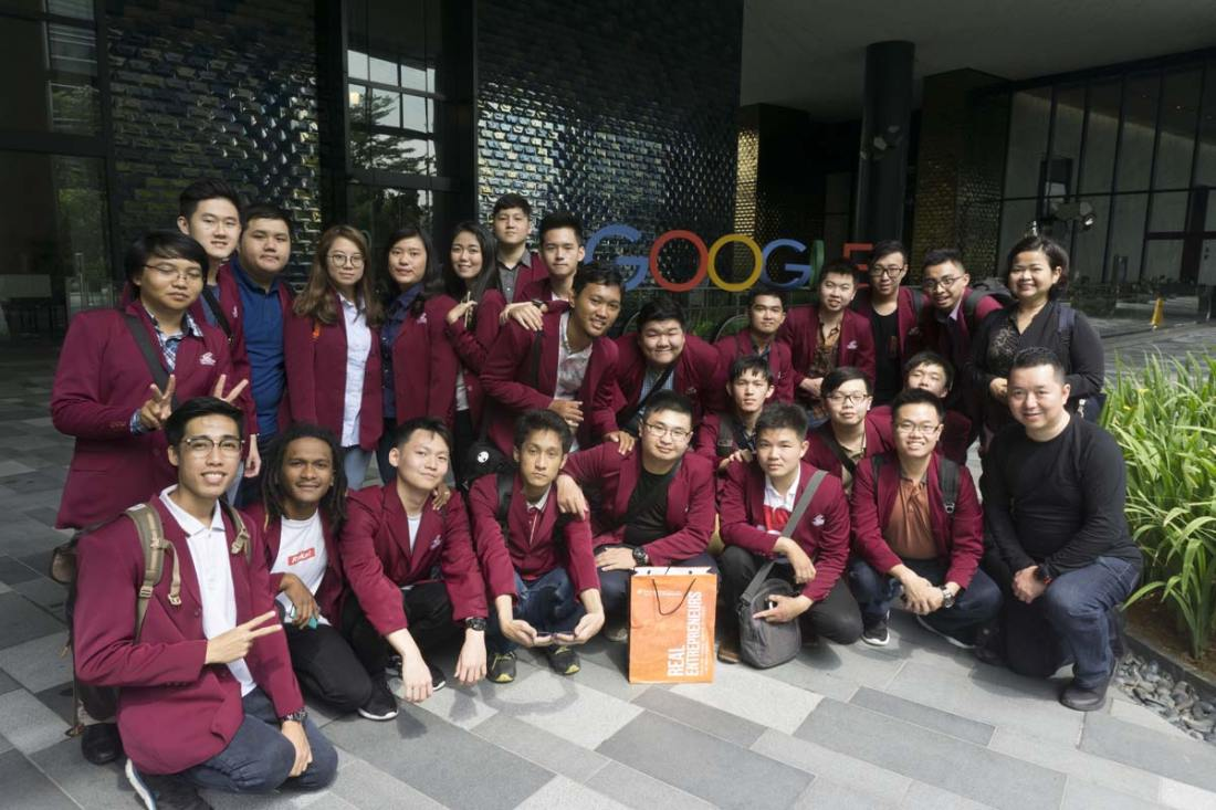Group photo at Google Office Mapple Business District Singapore