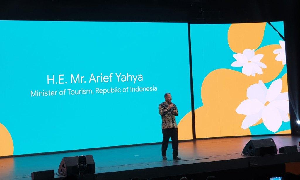 Menteri Pariwisata Indonesia menyampaikan sambutan dan pesannya kepada para penggiat startup Indonesia dan Google