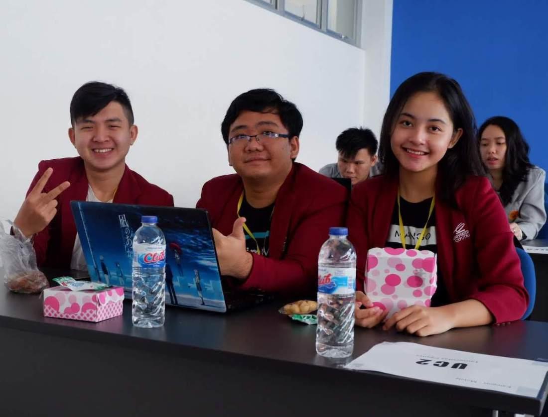 Tim UC2: Timotius, Henry, dan Wienona yang berhasil menjadi Juara FIT Competition 2019