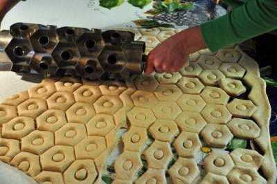 Doughnut rolling cutter in nigeria