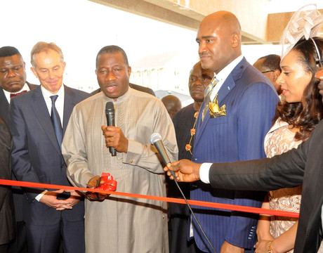 FROM LEFT: FORMER BRITISH PRIME MINISTER, MR TONY BLAIR; PRESIDENT GOODLUCK JONATHAN;  SENIOR PASTOR,  ALL HOUSE ON THE CHURCH, REV'D PAUL ADEFARASIN AND HIS WIFE, IFEANYI, AT THE INAUGURATION OF THE ROCK CATHEDRAL METROPOLITAN CHURCH OF CHRIST IN LAGOS