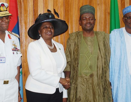 FROM LEFT: CHIEF OF DEFENCE STAFF, ADM. OLA IBRAHIM; OUTGOING MINISTER OF STATE, ERELU OLUSOLA OBADA;  SUPERVISING MINISTER OF DEFENCE, MR LABARAN MAKU  AND PERMANENT SECRETARY, MINISTRY OF DEFENCE, ALHAJI ALIYU SUMAILA,  DURING THE HANDING OVER BY THE OUTGOING MINISTER OF STATE IN ABUJA ON THURSDAY.
