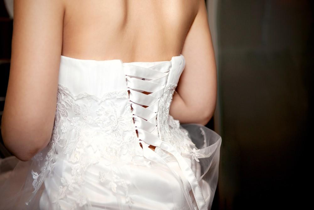 What To Wear UNDER Your Wedding Dress 10 Options
