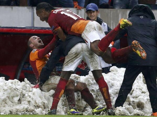 Let it Snow!!! Drogba Celebrates After Sneijder's Late Winner.