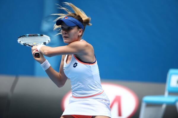 Agniesza radwanska Knocks Victoria Azarenka Out of the Australian Open.