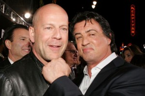 Sylvester-Stallone-hugs-actor-Bruce-Willis-2006-2136010
