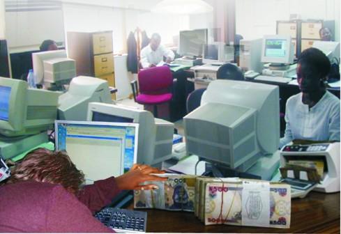 a-nigerian-banking-hall-489x336