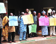 MEMBERS OF NIGERIA UNION OF PENSIONERS, PROTESTING   AT THE OFFICE OF THE HEAD OF  SERVICE OF THE FEDERATION IN ABUJA  ON TUESDAY (12/6/12) OVER NON  PAYMENT OF THEIR PENSION.