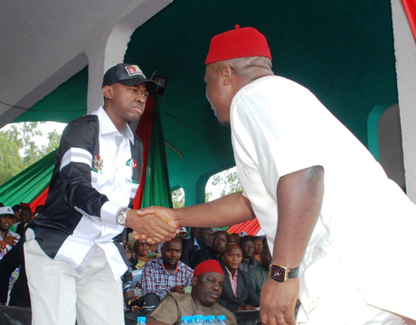 GOV. SULLIVAN CHIME OF ENUGU STATE  (L) WITH ALGON ENUGU STATE CHAPTER CHAIRMAN, MR  NWABUEZE OKAFOR, AT THE LAUNCH OF  PDP ENUGU STATE LOCAL GOVERNMENT AREA  RALLY  IN ENUGU ON THURSDAY