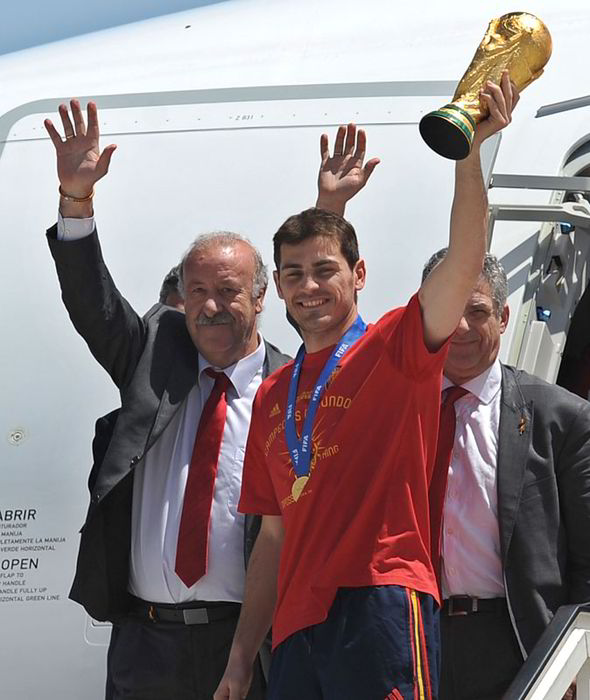 Vicente Del Bosque and Iker Cassilas Arrives Spain With the 2010 World Cup Trophy Won in South Africa.