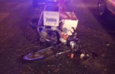 Camioneta presuntamente impacta a motociclista