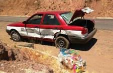 Daños cuantiosos deja choque de taxi y camioneta