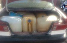 Aseguran a conductor de taxi que transportaba ilegalmente 10 bidones de hidrocarburo