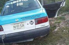 Abandonan taxi robado