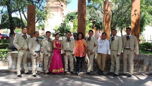 Mariachis de México se solidarizaron con la Mixteca