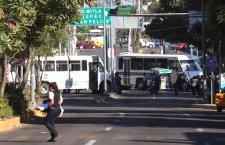Maestros realizan 8 bloqueos carreteros para exigir reconstrucción de escuelas dañadas por los sismos