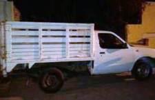 Abandonan camioneta robada