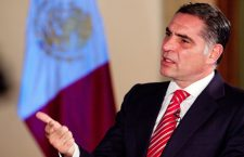Gabino Cué se apersonó para defenderse del juicio político por presunto desvío de 30 mil millones de pesos