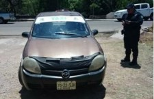 Abandonan taxi robado en Huajuapan