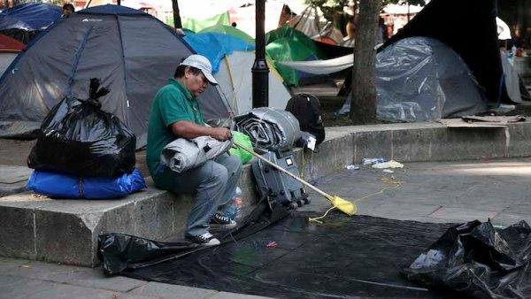 @Seccion22Cencos levanta plantón después de 22 días …pero amenazan con regresar