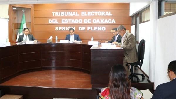 Esposa de candidato de Morena emboscado designó nueva fórmula y TEEO la deja firme