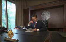 """El Presidente peor evaluado de la historia se va con un VIDEO en el que se llama """"transformador"""""""