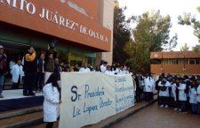 Universitarios marchan para exigir cese al porrismo