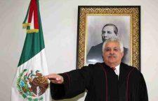 Por la puerta trasera, con denuncias, amparos y solicitud de juicio político en su contra renunció Raúl Bolaños Cacho