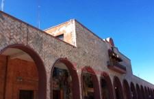 Siguen contradicciones; Gastaría Huajuapan 85 mil pesos en «clasificar y meter» a bodega la cantera de fachada del palacio