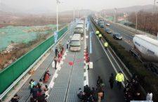 China construye una autopista solar que podrá recargar autos eléctricos
