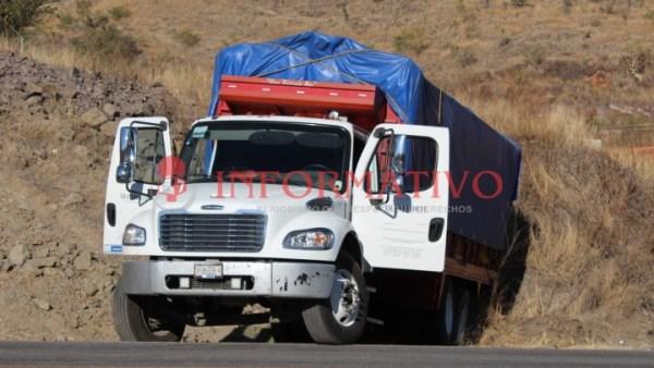 Capturan a supuestos asaltantes de camiones; dispararon contra policías y secuestraron a chofer