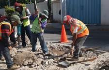 Se continúan rehabilitando vialidades principales de Huajuapan