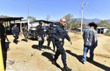 Jefes policiales cumplen 4 días retenidos en Juquila