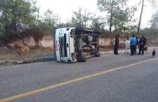 Aparente choque de suburbans deja cuatro lesionados en Tlaxiaco | Informativo 6y7
