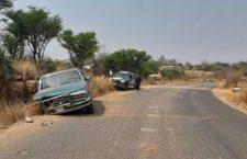 Volcadura deja tres lesionados en carretera a Mariscala | Informativo 6y7