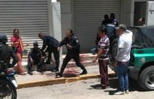 Hieren a policías en apoyo a una mujer en Huajuapan | Informativo 6 y 7