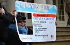 Nueva York aprueba ley para otorgarles licencias de conducir a inmigrantes indocumentados