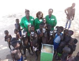 Jovens cientistas angolanos criam biofiltro para fornecer água potável às comunidades locais