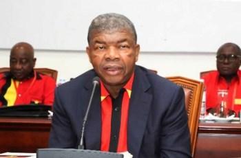 MPLA reconcilia-se com sua história reconhecendo todos os presidentes