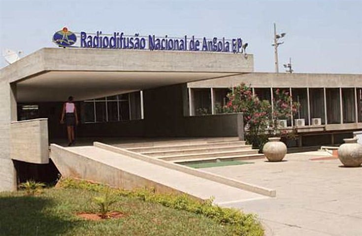 Jornalistas da RNA decretam greve