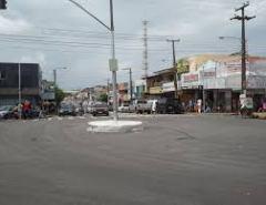 Carro e moto se envolve em acidente no centro de Macaíba