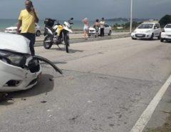 Em Natal, taxista perde controle e bate em outro carro na Via Costeira