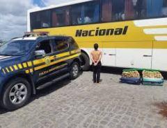 Passageira de Natal é presa em AL com 44 kg de maconha em ônibus