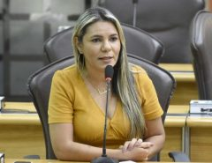"""Eudiane critica governo no caso Proedi e diz que """"faltou diálogo"""" com prefeitos"""